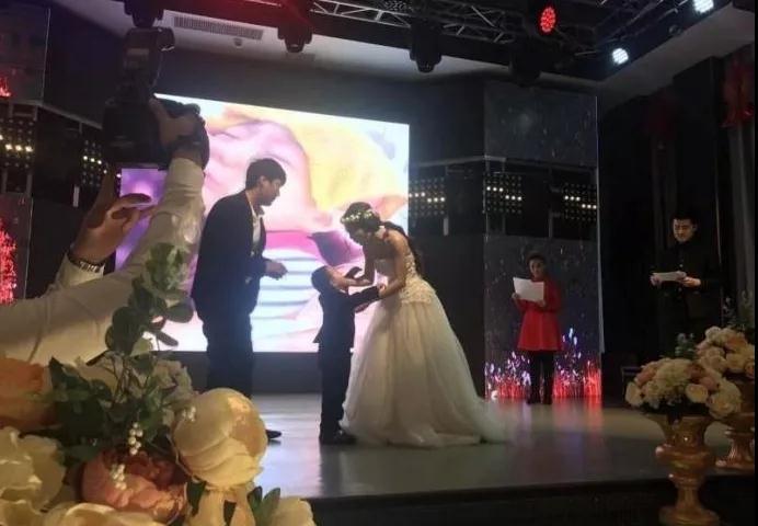 4岁男孩举办婚礼新娘是妈妈,真相令我们反思!