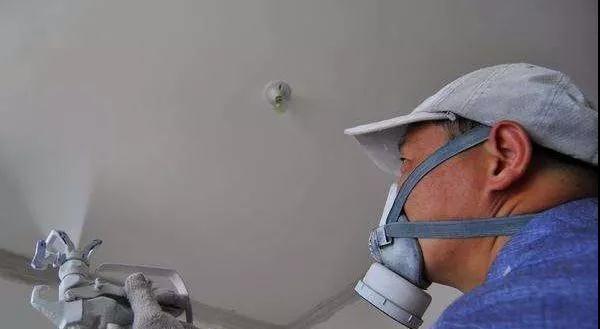 大家都说甲醛致癌,为什么装修工人却没事?